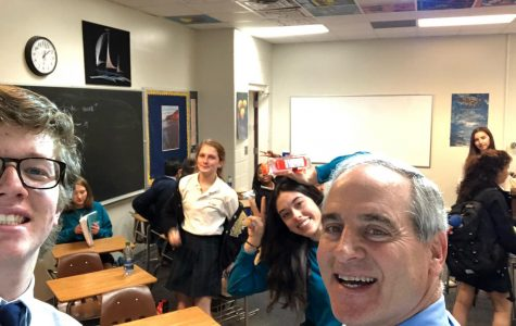 Dr. Wagner takes a selfie with his 7th period Analysis class
