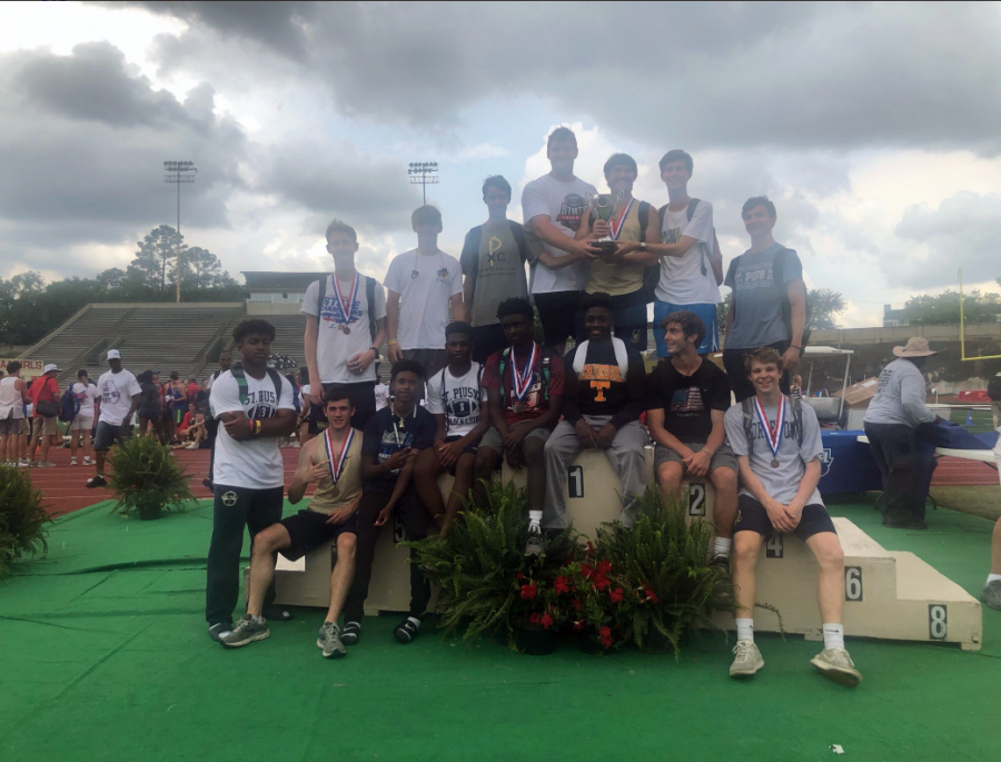 Boys' track and field team wins state championship