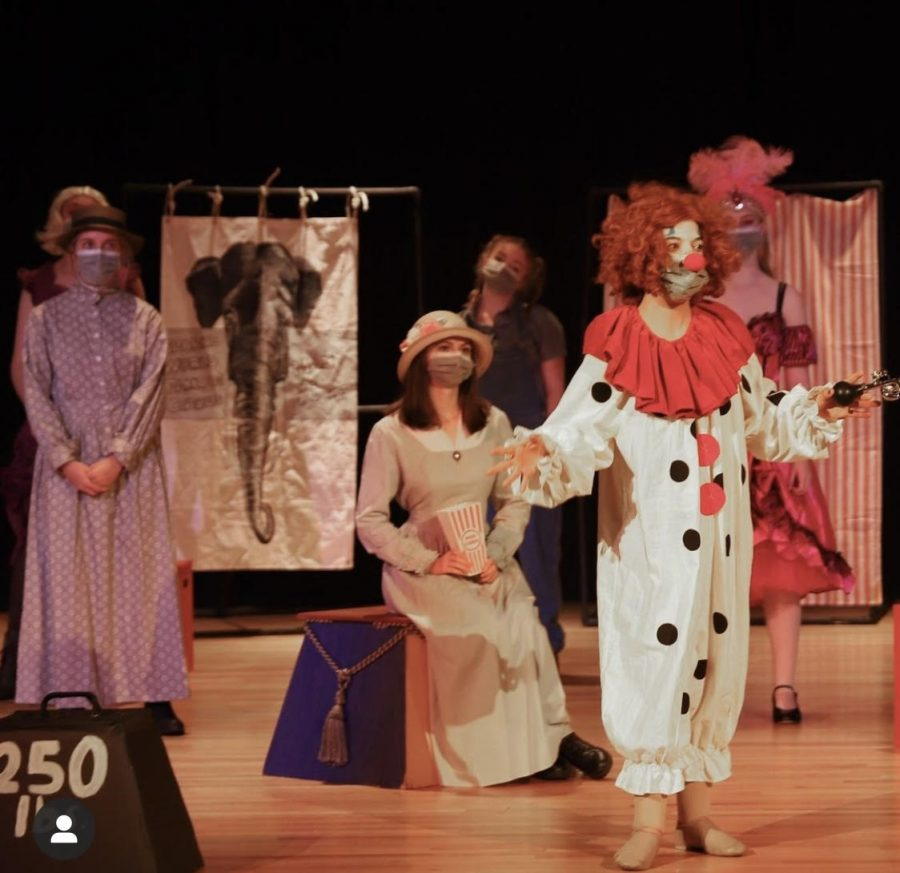 The Pius Players rehearse for their fall show